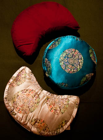 Zafus or meditation cushions, with different kinds of covers, shapes and fillings
